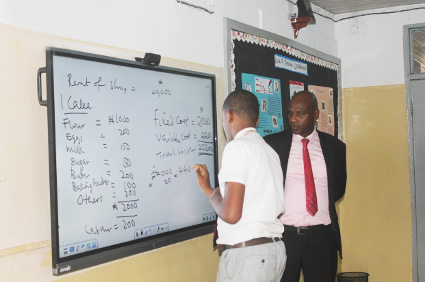 technology-drive-education-nigeria-wowbii-interactive-boards-at-greensprings-school-lago
