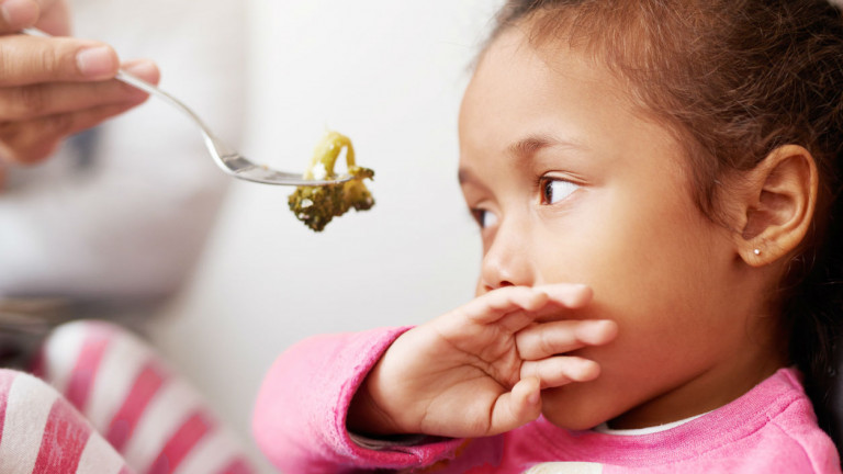 how to get a child to eat when they refuse